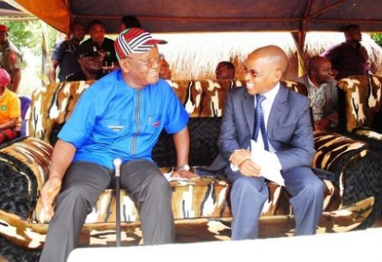 L-R Executive Governor of Benue State, Dr. Samuel Ortom, and Managing Director, Guinness Nigeria, Peter Ndegwa at the commissioning ceremony of a water project donated by Guinness Nigeria to the Tyowanye community in Benue state