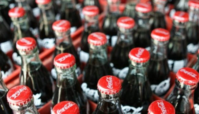 the coca cola company and the soft drink industry That recognize the coca-cola logo: 96% number of coke bottles sold each day:  18 billion number of worldwide coke bottling companies: 275 total number of.